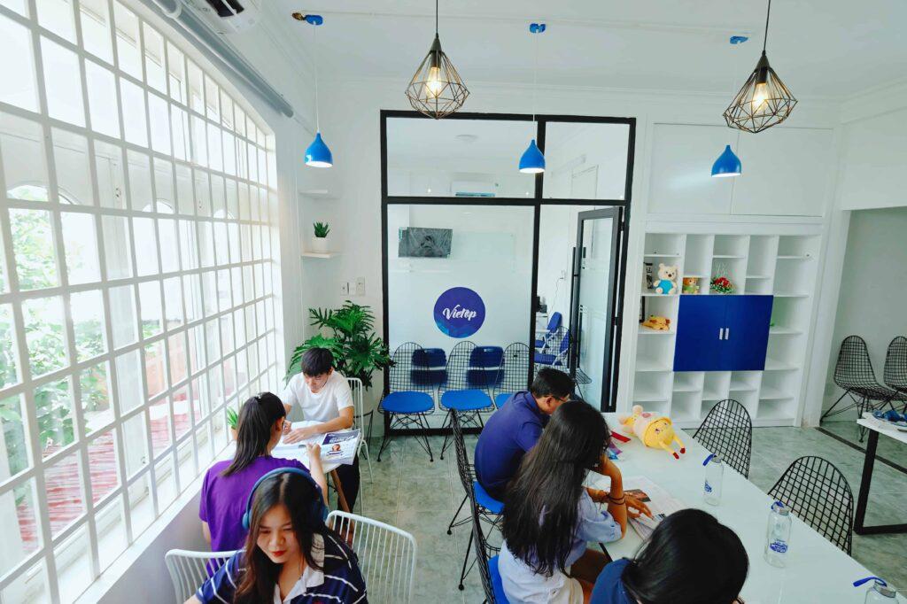 văn phòng học tập IELTS Vietop