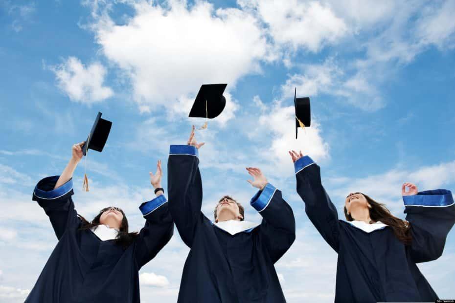 """IELTS là """"giấy thông hành"""" cho ước mơ du học, săn học bổng"""