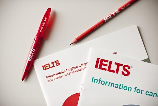 Bút được cấp khi thi IELTS