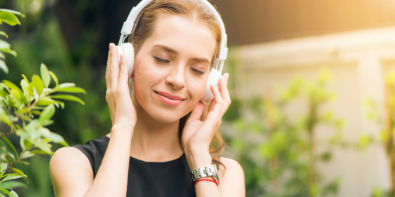 Talk about your leisure activities - listen to music