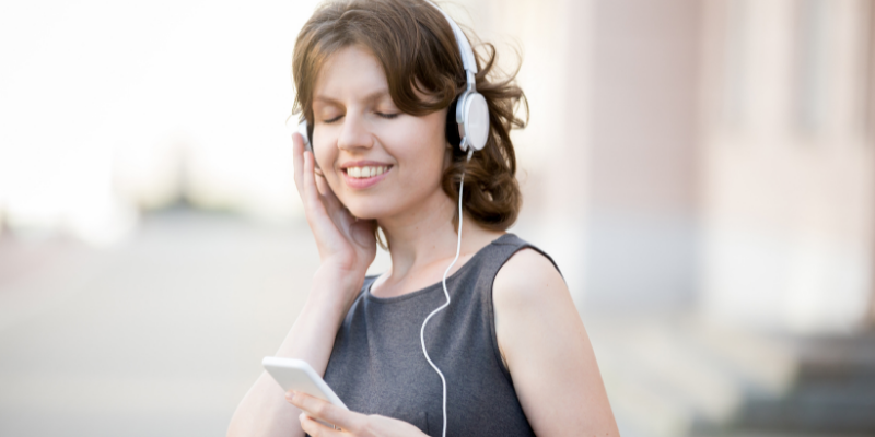 Tại sao học tiếng Anh qua bài hát hiệu quả?